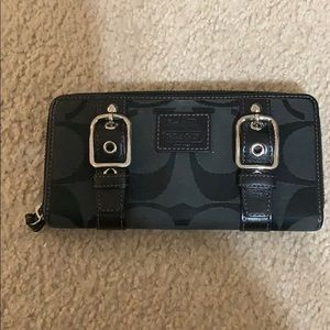 Gently used coach wallet